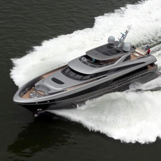 Yacht Lucia M.