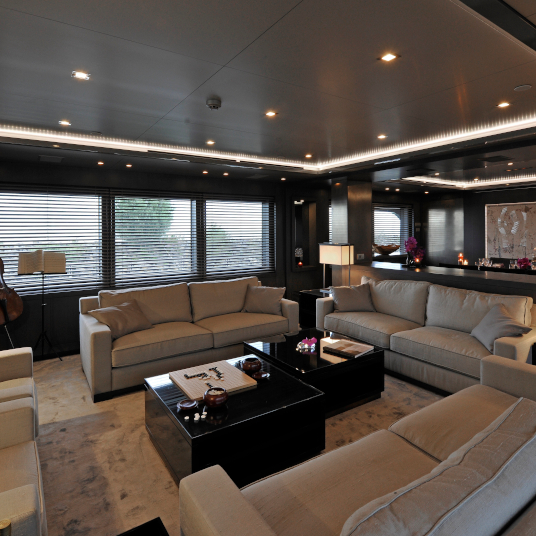 Yacht Lucia M. interior